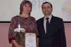 Н.Н.Поддубская, победитель конкурса и С.М.Акатушев, директор школы